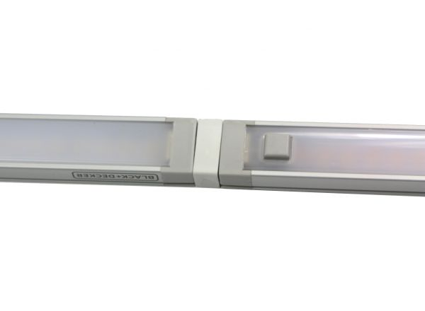 Light Bar Extender with Bars for Under Cabinet Lighting by Black and Decker with PureOptics Technology Close Up